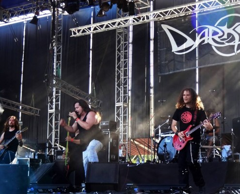 Darksun band playing in Festival Leyendas del rock